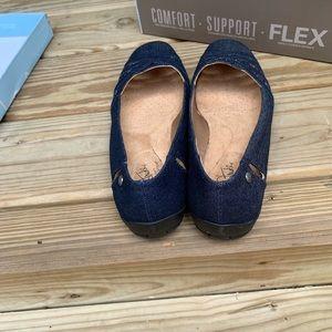 Life Stride Shoes - LifeStride Diverse Denim Slip-On - Women's 9.5